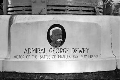 Admiral Dewey Monument Print by David Lee Thompson