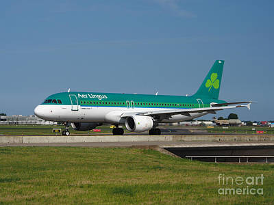 Aer Lingus Airbus A320 Print by Paul Fearn