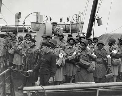 Tntar Photograph - African America U.s. Army Nurses Arrive by Everett