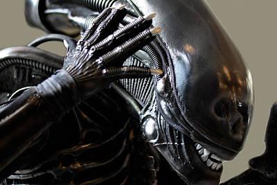 Alien Is Disoriented  Original by Toppart Sweden