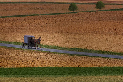 Amish Farms Photograph - Amish Country Lancaster Pennsylvania by Susan Candelario