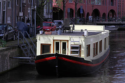Cityscape Photograph - Amsterdam Houseboat by Juergen Roth