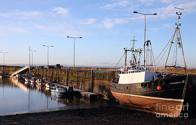 Anstruther Photograph - Anstruther Harbour Early Morning by Ros Drinkwater