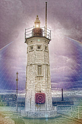 Anstruther Photograph - Anstruther Light by Fraser Hetherington