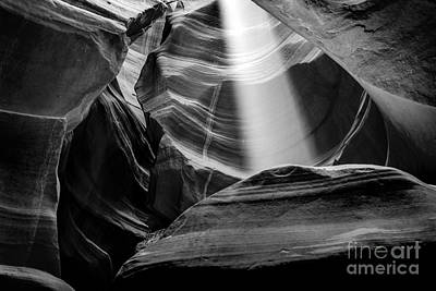 Shafts Photograph - Antelope Canyon Beam 2 by Az Jackson