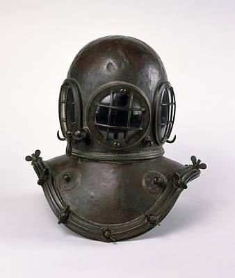 Diving Helmet Photograph - Antique Diving Helmet by Dorling Kindersley/uig