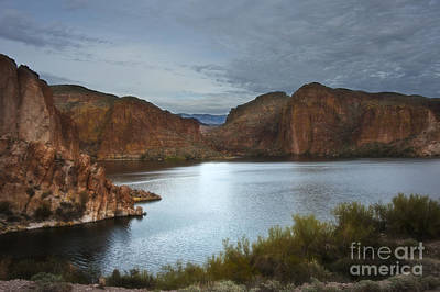 Apache Trail Canyon Lake Print by Lee Craig