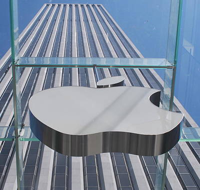 Modernart Photograph - Apple 5 by John Powell