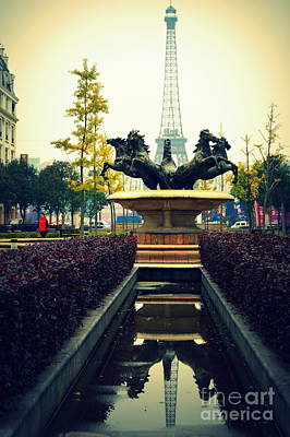 Photograph - Are We In Paris by Shawna Gibson