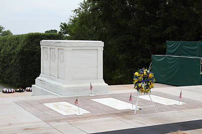 Tombstone Photograph - Arlington National Cemetery - Tomb Of The Unknown Soldier - 01131 by DC Photographer