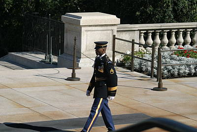 Arlington National Cemetery - Tomb Of The Unknown Soldier - 12126 Print by DC Photographer