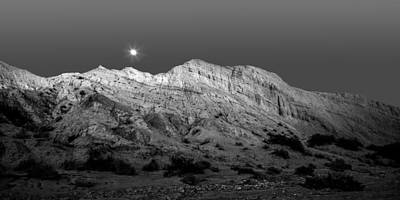 Widescreen Photograph - Arroyo Moonrise Black And White by Peter Tellone