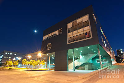 Curvilinear Photograph - Art School - Visual And Performing Arts High School In Downtown Los Angeles by Jamie Pham