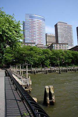 Jetty View Park Photograph - At The Hudson River by Christiane Schulze Art And Photography