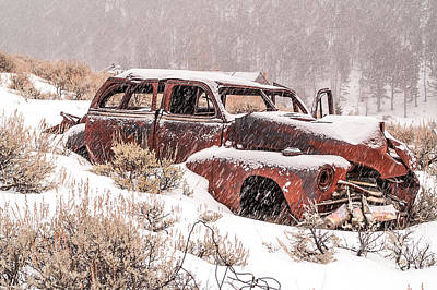 Auto In Snowstorm Print by Sue Smith