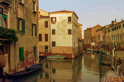 Villa Mixed Media - Backwaters Of  Of Venice by Cliff Wassmann
