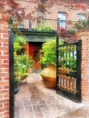 Sidewalks Photograph - Baltimore - Restaurant Courtyard Fells Point by Susan Savad