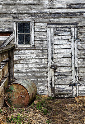 Old Barn Drawing Photograph - Barn Door by Armando Picciotto