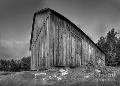 Michigan Farmhouse Photograph - Barn In Port Oneida by Twenty Two North Photography