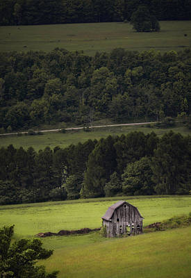 Barns Photograph - Barn Of The Valley by Emily Stauring