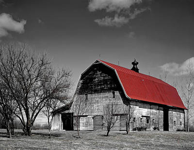 Barn With The Red Roof Print by Mountain Dreams