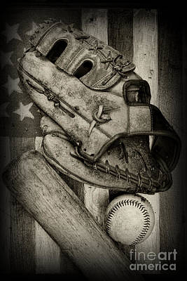 Baseball The Lefty In Black And White Print by Paul Ward