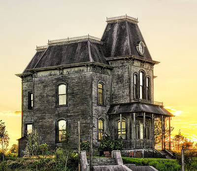 Haunted House Photograph - Bates Motel Haunted House by Paul W Sharpe Aka Wizard of Wonders