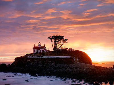 Pioneer Homes Photograph - Battery Point 2 by Leland D Howard