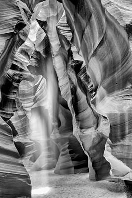 Beam Of Light In Upper Antelope Canyon In Black And White Print by Susan Schmitz