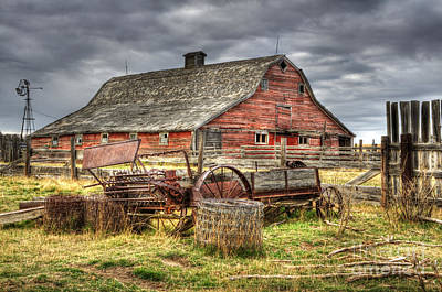 Alberta Landscape Photograph - Beauty Of Barns 9 by Bob Christopher
