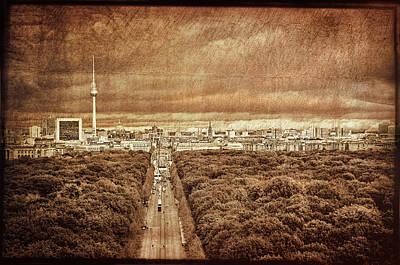 Stylized Photograph - Berlin / Panorama by Gynt