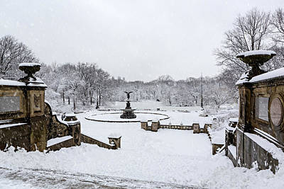 Winter Scenes Photograph - Bethesda Fountain In Central Park by Susan Candelario