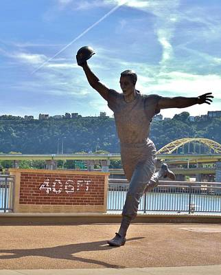 Mazeroski Photograph - Bill Mazeroski Statue 2 by Anthony Thomas