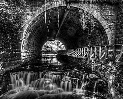 Tim Buisman Photograph - Black And White Waterfall by Tim Buisman