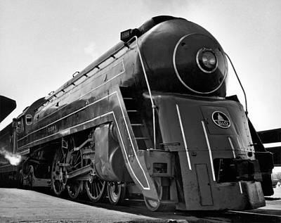 Locomotive Wheels Photograph - B&o Locomotive, cincinnatian by Underwood Archives