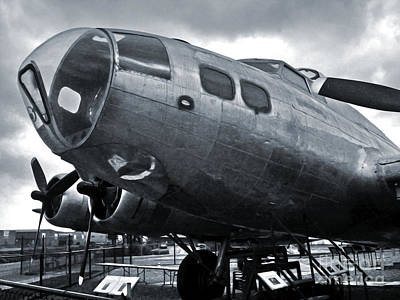 Boeing Flying Fortress B-17g  -  02 Print by Gregory Dyer