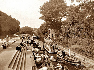 Maidenhead Photograph - Boulter's Lock Maidenhead England by The Keasbury-Gordon Photograph Archive