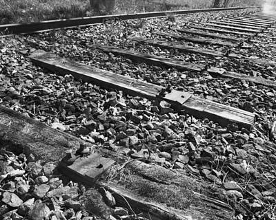 Black And White Photograph - Broken Line by Marcio Faustino