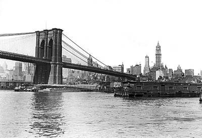 Brooklyn Bridge And Ny Skyline Print by Underwood & Underwood