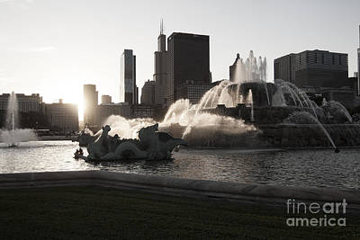 Chicago Photograph - Buckingham Fountain by Christopher Purcell