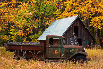 Old Truck Photograph - Buckner Orchard by Mark Kiver
