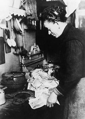 Burning Money, 1920s German Inflation Print by Science Photo Library