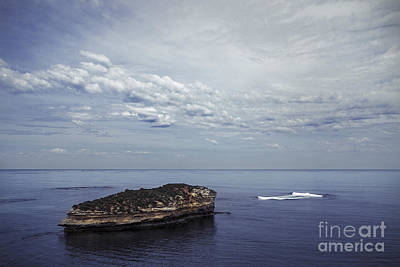 Great Ocean Road Photograph - Calm Seclusion by Andrew Paranavitana