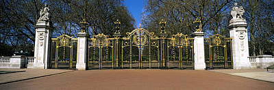 Entrance Memorial Photograph - Canada Gate At Green Park, City by Panoramic Images