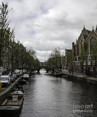 Three Little Kittens Designs Photograph - Canal Behind Oude Kerk In Amsterdam by Teresa Mucha