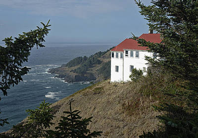 Agate Beach Oregon Photograph - Cape Foulweather Lookout by Betty Depee