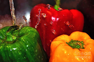 Capsicum In The Wash Print by Kaye Menner