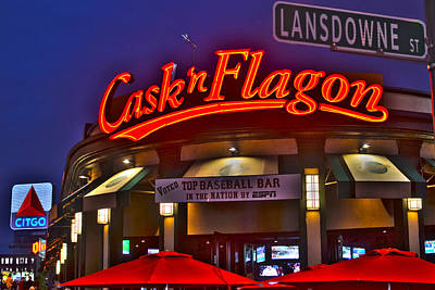 Cask And Flagon Citgo Sign Lansdowne Street Print by Toby McGuire
