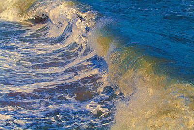 Incoming Tide Painting - Catch A Wave by John Haldane