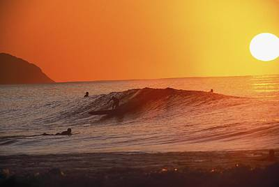 Catching A Wave At Sunset Print by Vince Cavataio - Printscapes